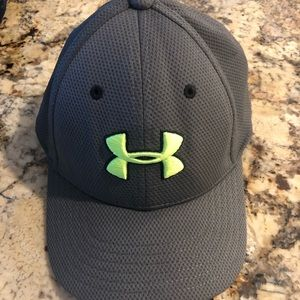 Under Armour boys Youth SM fitted hat